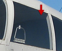 Pilot Window (Left) - Piper PA-28